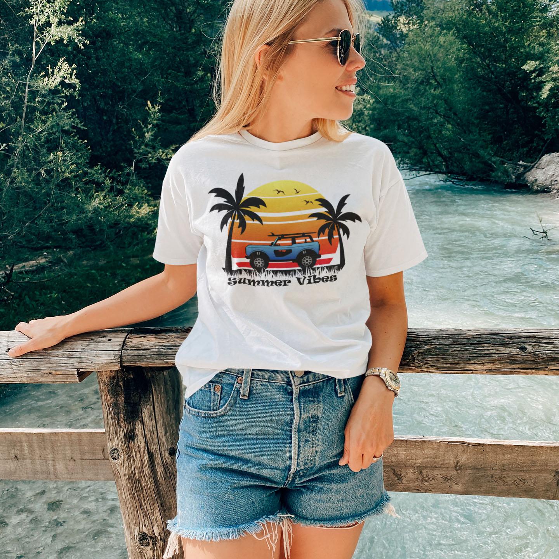Summer Vibes Short-Sleeve Unisex T-Shirt